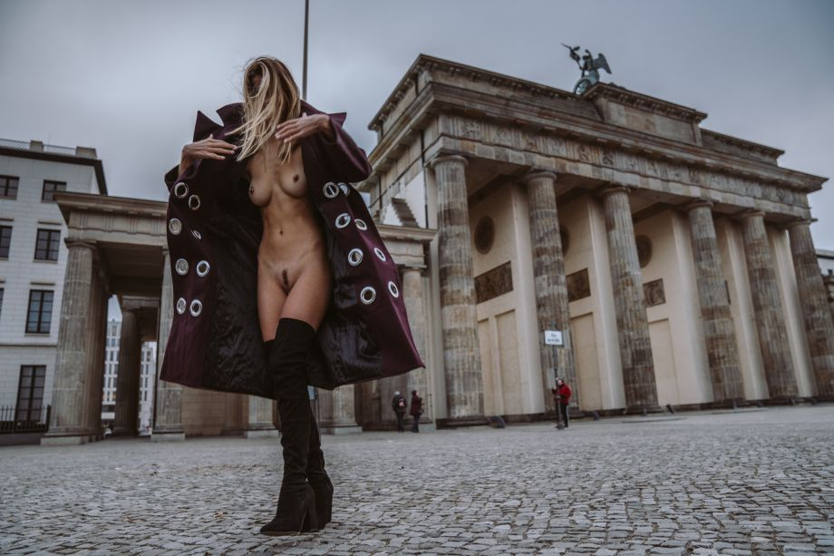 Amberleigh West Nude in Germany