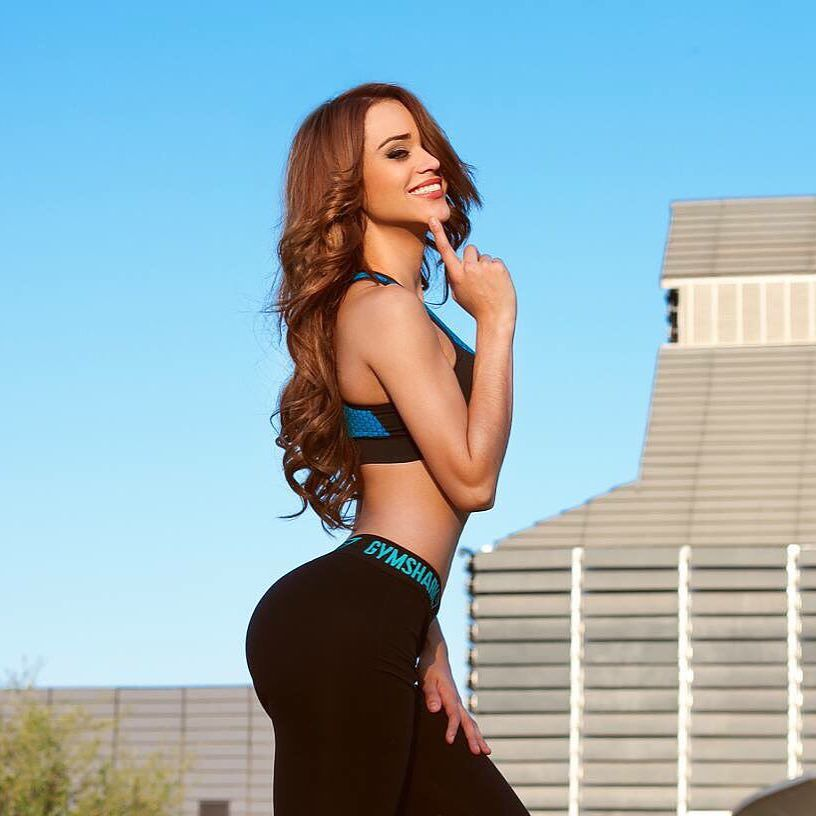 Yanet Garcia Sexy Pictures (54 pics)